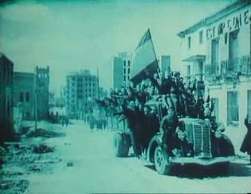 Canciones para después de una guerra (Basilio Martín Patino, 1976)