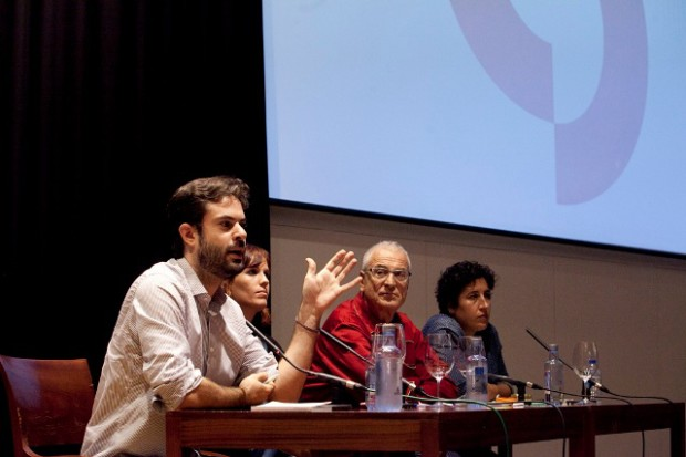 Debate sobre produción. De esquerda a dereita: Felipe Lage, Neus Ballús, Luis Miñarro, Beli Martínez. FOTO: TAMARA DE LA FUENTE.