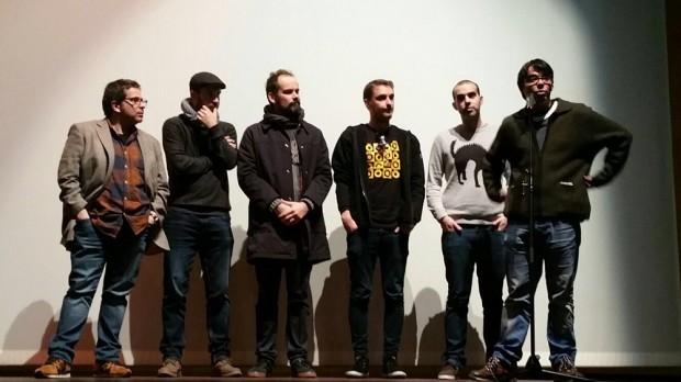 Marcos Nine (Cineclube da Illa de Arousa), á dereita, co micrófono, durante una presentación