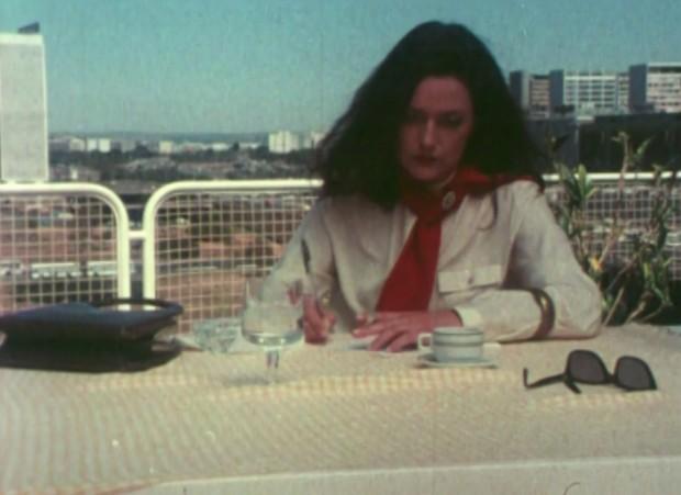 Cláudia Pereira, nai de Ana Vaz, interpreta a Clarice Lispector en 'Brasiliários' (Zuleica Porto e Sérgio Bazi, 1986)