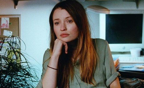 Emily-Browning-in-22Golden-Exits22-1140x641