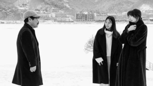 Hotel by the river (Hong Sang-soo, 2018)